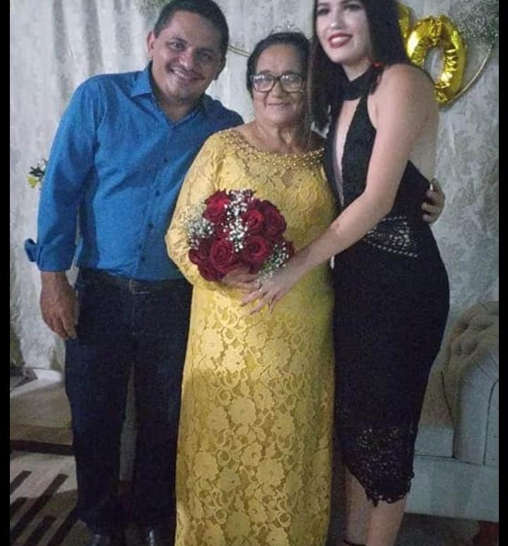Ismael sua mae e filha